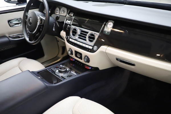 Used 2015 Rolls-Royce Ghost for sale $157,900 at Bentley Greenwich in Greenwich CT 06830 20