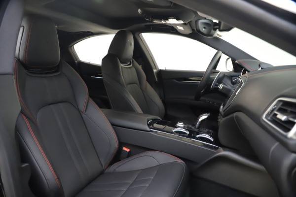 New 2020 Maserati Ghibli S Q4 GranSport for sale $70,331 at Bentley Greenwich in Greenwich CT 06830 21
