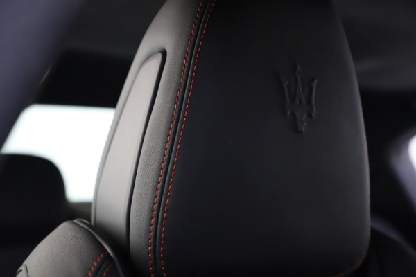 New 2020 Maserati Ghibli S Q4 GranSport for sale $88,285 at Bentley Greenwich in Greenwich CT 06830 27