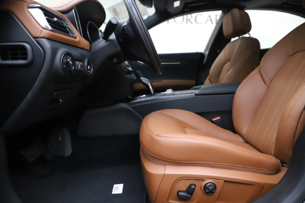 New 2019 Maserati Ghibli S Q4 GranLusso for sale $98,095 at Bentley Greenwich in Greenwich CT 06830 14