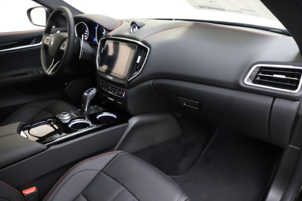 New 2019 Maserati Ghibli S Q4 GranSport for sale $99,905 at Bentley Greenwich in Greenwich CT 06830 22