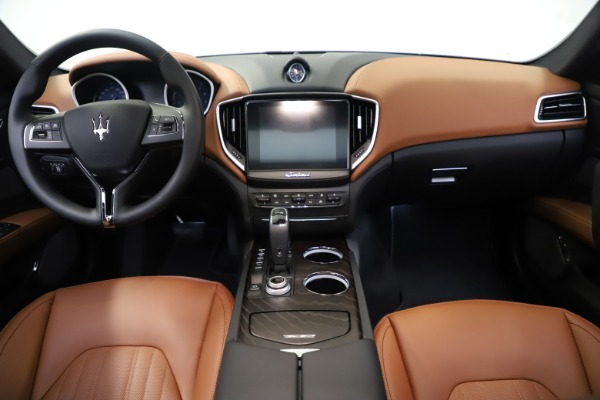 New 2019 Maserati Ghibli S Q4 GranLusso for sale $98,095 at Bentley Greenwich in Greenwich CT 06830 16