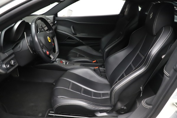 Used 2013 Ferrari 458 Italia for sale $186,900 at Bentley Greenwich in Greenwich CT 06830 14