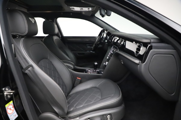 New 2016 Bentley Mulsanne Speed for sale $157,900 at Bentley Greenwich in Greenwich CT 06830 27