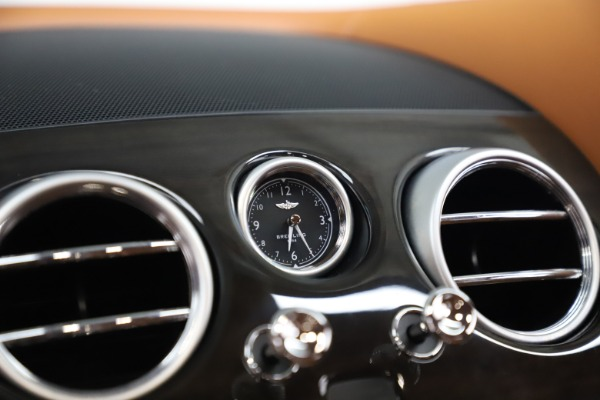 Used 2016 Bentley Flying Spur V8 for sale $114,900 at Bentley Greenwich in Greenwich CT 06830 21