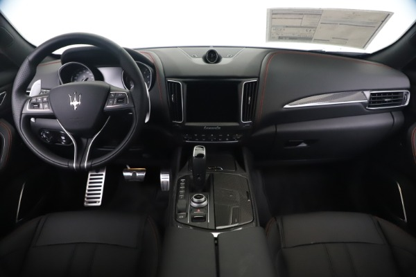 New 2020 Maserati Levante Q4 GranSport for sale $91,985 at Bentley Greenwich in Greenwich CT 06830 16