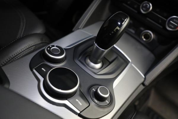 New 2019 Alfa Romeo Stelvio Ti Sport Q4 for sale $52,640 at Bentley Greenwich in Greenwich CT 06830 28
