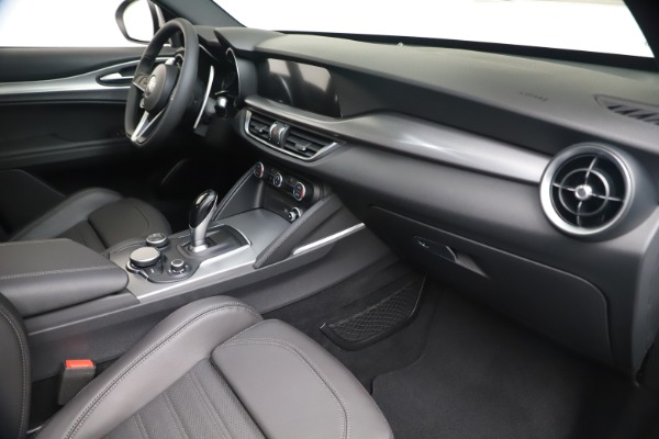 New 2019 Alfa Romeo Stelvio Ti Sport Q4 for sale $52,140 at Bentley Greenwich in Greenwich CT 06830 22