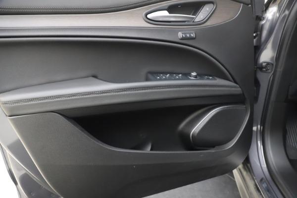 New 2019 Alfa Romeo Stelvio Ti Q4 for sale $51,090 at Bentley Greenwich in Greenwich CT 06830 17