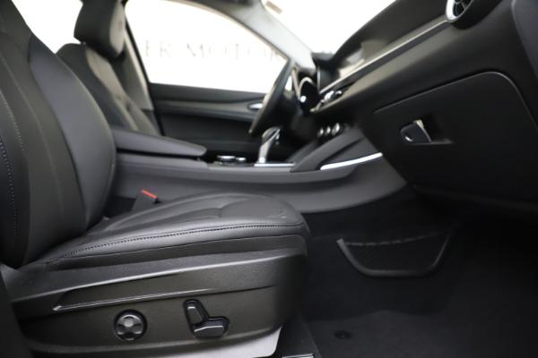 New 2019 Alfa Romeo Stelvio Ti Q4 for sale $51,090 at Bentley Greenwich in Greenwich CT 06830 23