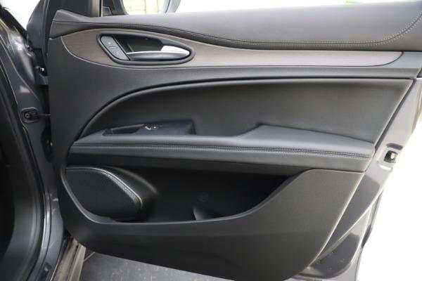 New 2019 Alfa Romeo Stelvio Ti Q4 for sale $51,090 at Bentley Greenwich in Greenwich CT 06830 25