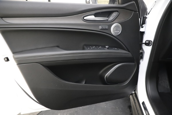 New 2019 Alfa Romeo Stelvio Ti Q4 for sale $51,490 at Bentley Greenwich in Greenwich CT 06830 17