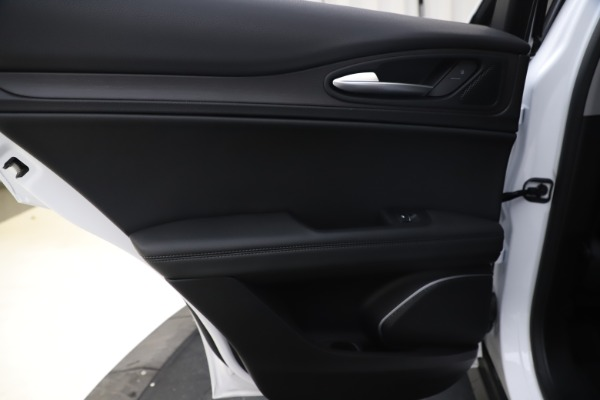 New 2019 Alfa Romeo Stelvio Ti Q4 for sale $51,490 at Bentley Greenwich in Greenwich CT 06830 21