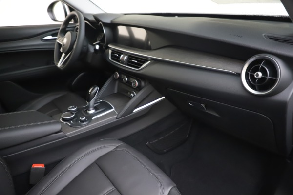 New 2019 Alfa Romeo Stelvio Ti Q4 for sale $51,490 at Bentley Greenwich in Greenwich CT 06830 22