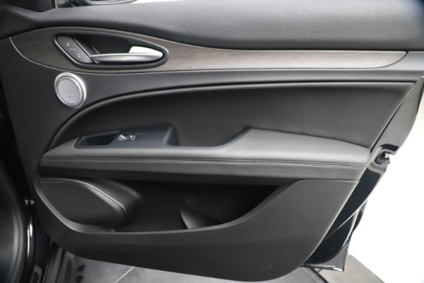 New 2019 Alfa Romeo Stelvio Ti Q4 for sale $51,840 at Bentley Greenwich in Greenwich CT 06830 25