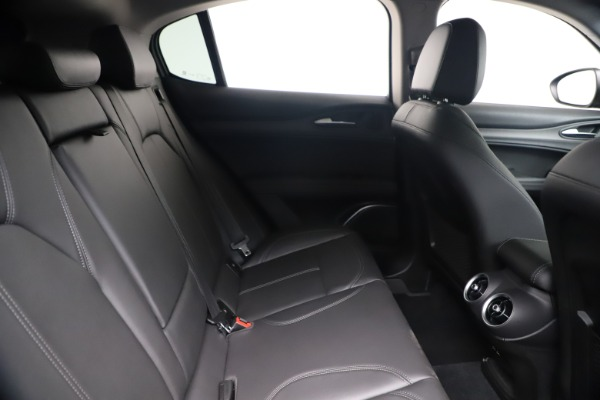 New 2019 Alfa Romeo Stelvio Ti Q4 for sale $51,840 at Bentley Greenwich in Greenwich CT 06830 27