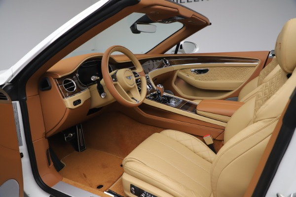 New 2020 Bentley Continental GTC V8 for sale $279,560 at Bentley Greenwich in Greenwich CT 06830 27