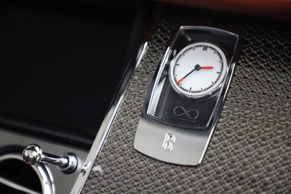 Used 2019 Rolls-Royce Dawn Black Badge for sale $359,900 at Bentley Greenwich in Greenwich CT 06830 28