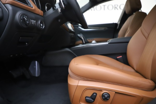 New 2020 Maserati Ghibli S Q4 for sale $86,285 at Bentley Greenwich in Greenwich CT 06830 14