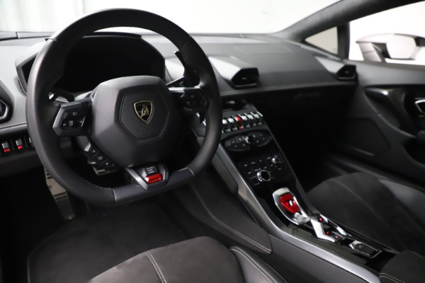 Used 2017 Lamborghini Huracan LP 580-2 for sale $179,900 at Bentley Greenwich in Greenwich CT 06830 13