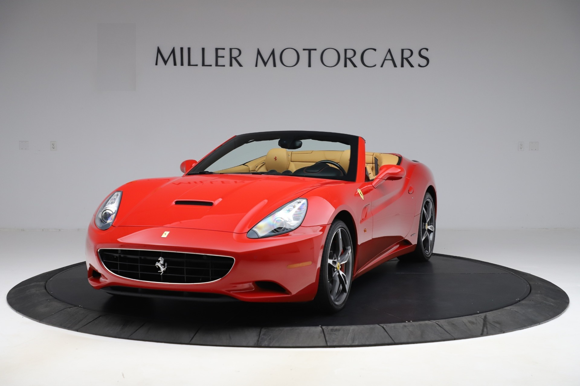 Used 2014 Ferrari California 30 for sale $127,900 at Bentley Greenwich in Greenwich CT 06830 1