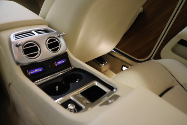 Used 2015 Rolls-Royce Wraith for sale $169,900 at Bentley Greenwich in Greenwich CT 06830 22