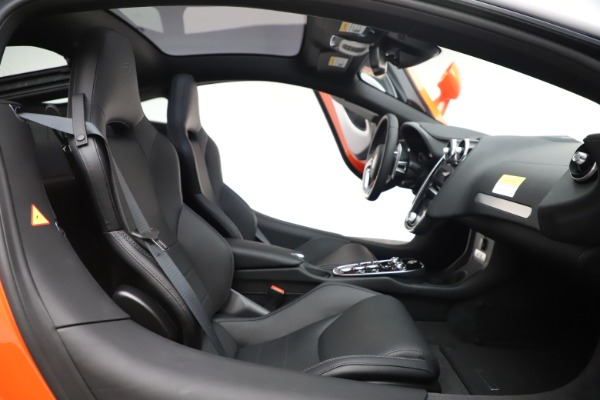 New 2020 McLaren GT Coupe for sale $246,975 at Bentley Greenwich in Greenwich CT 06830 20