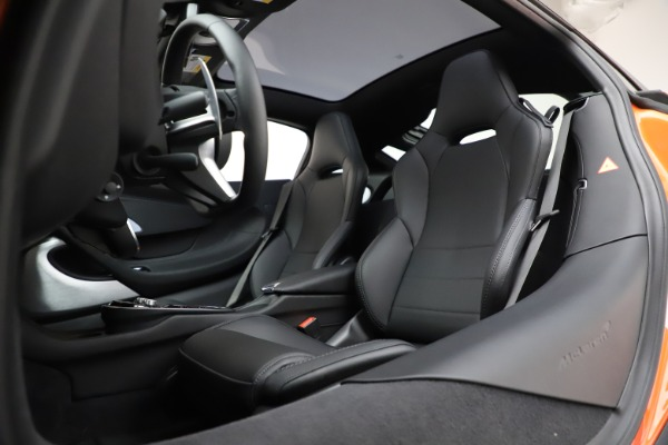 New 2020 McLaren GT Coupe for sale $246,975 at Bentley Greenwich in Greenwich CT 06830 21