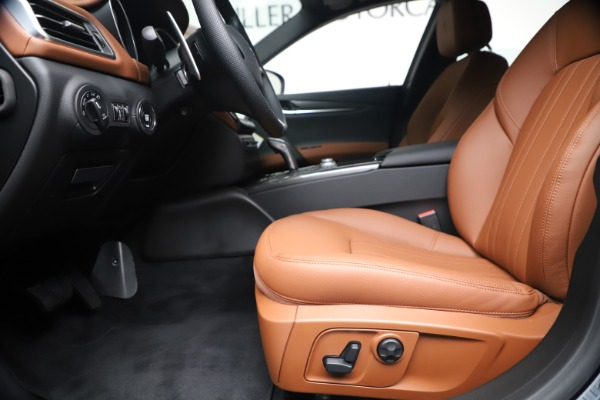 New 2020 Maserati Ghibli S Q4 for sale $85,535 at Bentley Greenwich in Greenwich CT 06830 14