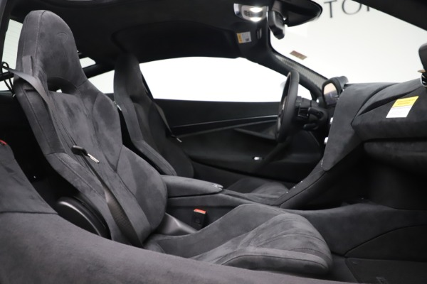New 2020 McLaren 720S Coupe for sale $327,370 at Bentley Greenwich in Greenwich CT 06830 19