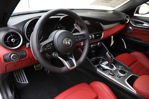 New 2020 Alfa Romeo Giulia Ti Sport Q4 for sale $51,995 at Bentley Greenwich in Greenwich CT 06830 13