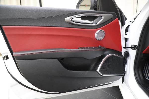 New 2020 Alfa Romeo Giulia Ti Sport Q4 for sale $51,995 at Bentley Greenwich in Greenwich CT 06830 17