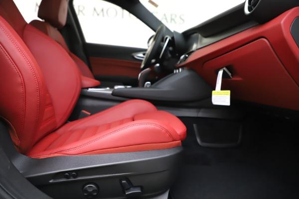 New 2020 Alfa Romeo Giulia Ti Sport Q4 for sale $51,995 at Bentley Greenwich in Greenwich CT 06830 24