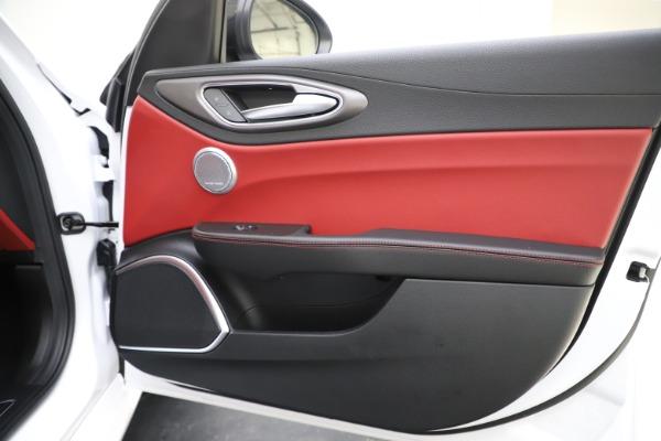 New 2020 Alfa Romeo Giulia Ti Sport Q4 for sale $51,995 at Bentley Greenwich in Greenwich CT 06830 26