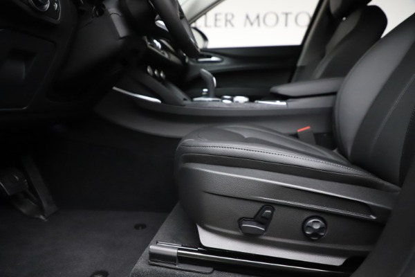 New 2020 Alfa Romeo Stelvio Sport Q4 for sale $50,795 at Bentley Greenwich in Greenwich CT 06830 14