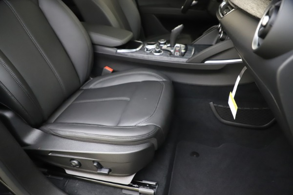New 2020 Alfa Romeo Stelvio Sport Q4 for sale $50,795 at Bentley Greenwich in Greenwich CT 06830 24