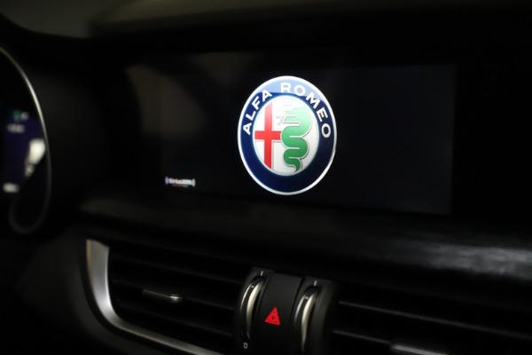 New 2020 Alfa Romeo Stelvio Q4 for sale $36,900 at Bentley Greenwich in Greenwich CT 06830 28
