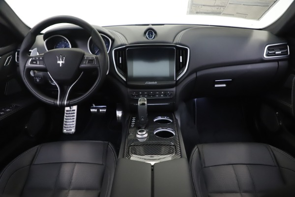 New 2019 Maserati Ghibli SQ4 GranSport for sale $100,695 at Bentley Greenwich in Greenwich CT 06830 16
