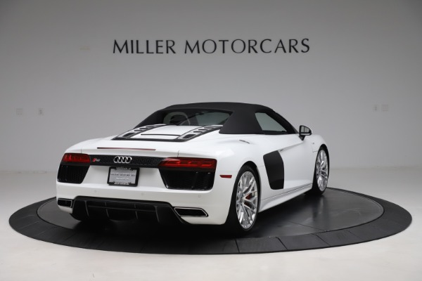 Used 2017 Audi R8 5.2 quattro V10 Spyder for sale $138,900 at Bentley Greenwich in Greenwich CT 06830 16