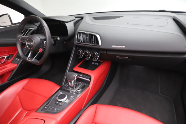 Used 2017 Audi R8 5.2 quattro V10 Spyder for sale $138,900 at Bentley Greenwich in Greenwich CT 06830 23