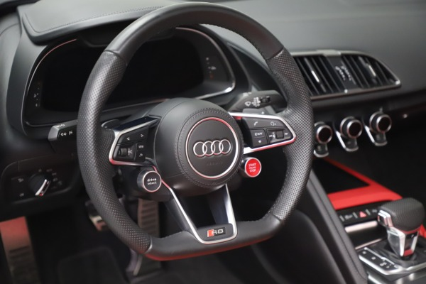 Used 2017 Audi R8 5.2 quattro V10 Spyder for sale $138,900 at Bentley Greenwich in Greenwich CT 06830 26