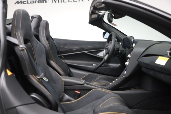 New 2020 McLaren 720S Spider Performance for sale $384,930 at Bentley Greenwich in Greenwich CT 06830 26