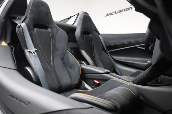 New 2020 McLaren 720S Spider Performance for sale $384,930 at Bentley Greenwich in Greenwich CT 06830 27