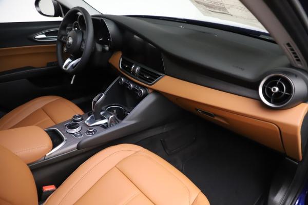 New 2020 Alfa Romeo Giulia Ti Q4 for sale $51,145 at Bentley Greenwich in Greenwich CT 06830 22