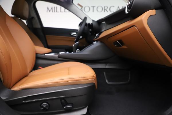 New 2020 Alfa Romeo Giulia Ti Q4 for sale $51,145 at Bentley Greenwich in Greenwich CT 06830 23