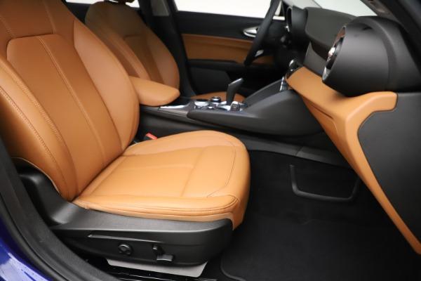 New 2020 Alfa Romeo Giulia Ti Q4 for sale $51,145 at Bentley Greenwich in Greenwich CT 06830 24
