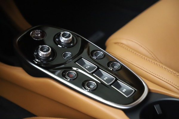 New 2020 McLaren GT Luxe for sale $236,675 at Bentley Greenwich in Greenwich CT 06830 18