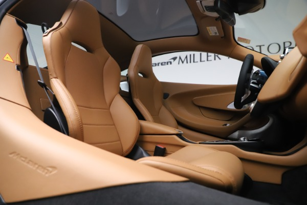 Used 2020 McLaren GT Luxe for sale Call for price at Bentley Greenwich in Greenwich CT 06830 21