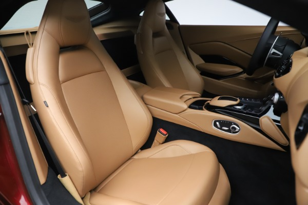 New 2020 Aston Martin Vantage Coupe for sale $185,991 at Bentley Greenwich in Greenwich CT 06830 19