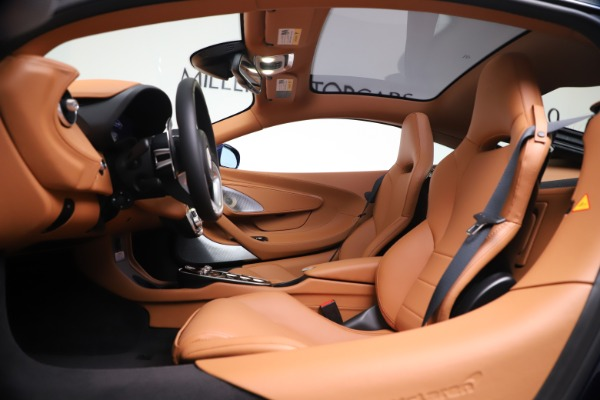 New 2020 McLaren GT Coupe for sale $244,675 at Bentley Greenwich in Greenwich CT 06830 16